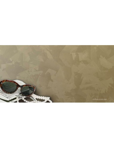 Stucco Decorative Velvet Effect acrylic water-washable, with hints of the typical gold and silver.